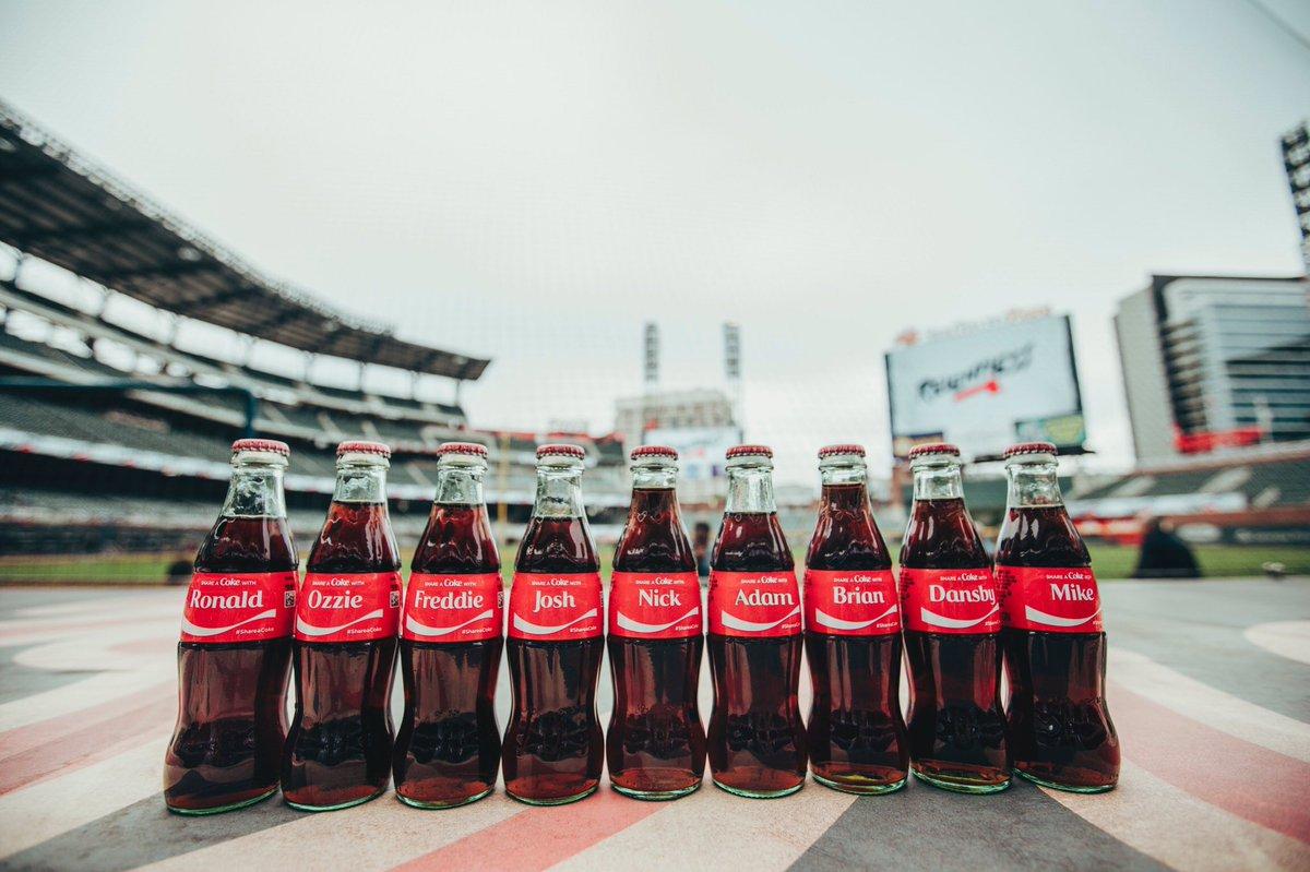 Line'em up. @CocaCola