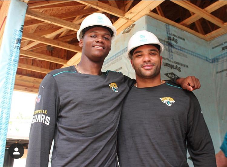 Yesterday @Jaguars WR @DJChark82 and LB @Ayee_See along w/ @TIAABank employees volunteered with #HabiJax, helping to build a new home for a #Jacksonville family in need! Thank you for all of your hard work!! #OneTeamOneHome #HuddleFor100 #DTWD #Duuuval