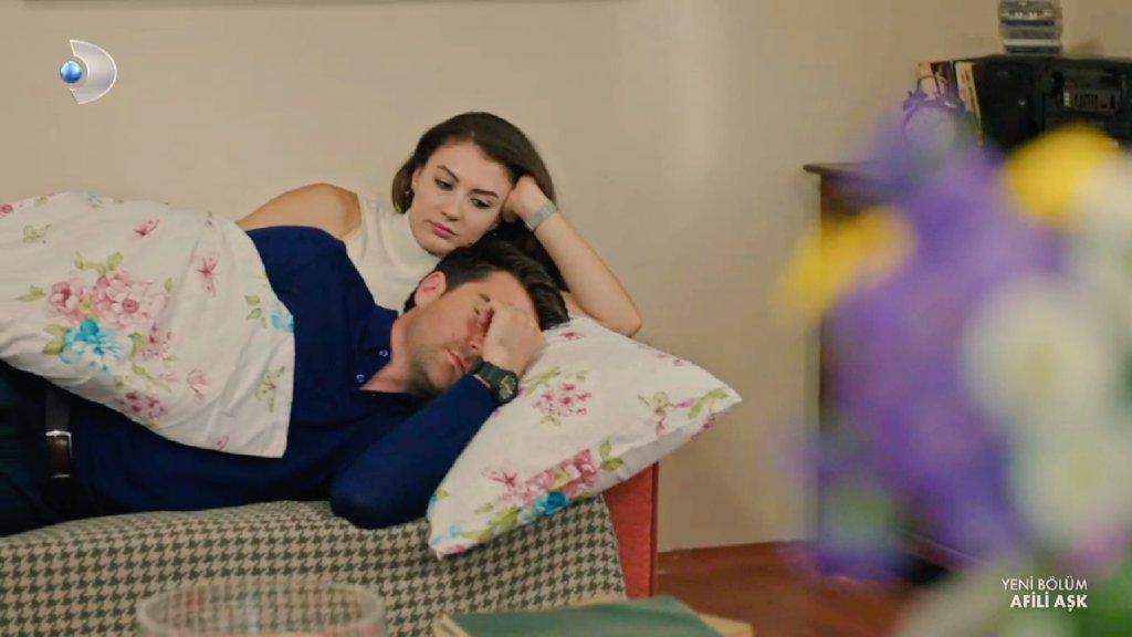 RT @sarecee_: kocasını uyurken izleyen ayşe mi? 💘   #ilköpücük #ayker #afiliaşk https://t.co/SskJDEYXG6