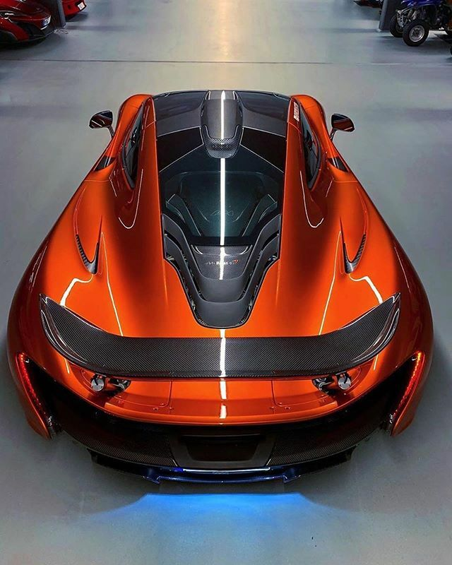 - @mclaren P1 🔧 V8 Engine 🔝 Top Speed: 350km/h - 217mph 🐎 916 Horsepower ⏱ 0-60/100 in 2.8 seconds 💰 Sold for $1,400,000 😱 - @thecarvibe 🔥 https://t.co/SXtZeWrm2p https://t.co/iWrnLAeMde