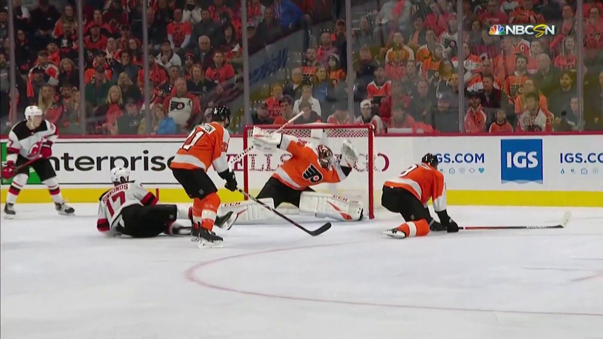 Carter Hart with the ROBBERY on Taylor Hall 😫