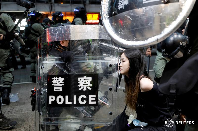 Apple removes police-tracking app used in Hong Kong protests from its app store. More here: https://reut.rs/2OvgSzH by @StephenNellis