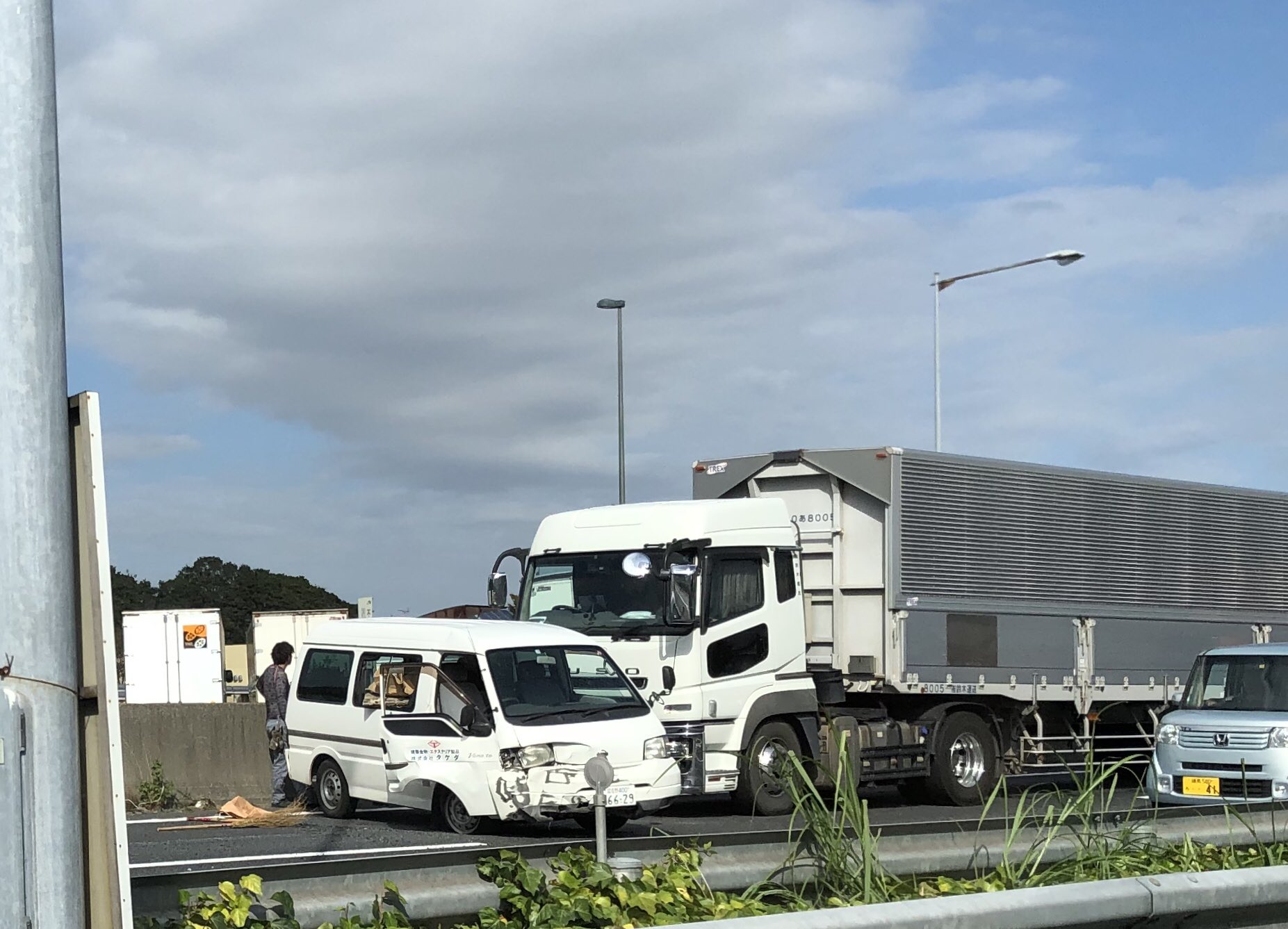 画像,高速の事故渋滞は本当にイヤ。何故にこんな状態になってるんか?気をつけましょ。#京葉道 https://t.co/BGmYBxJI9x…