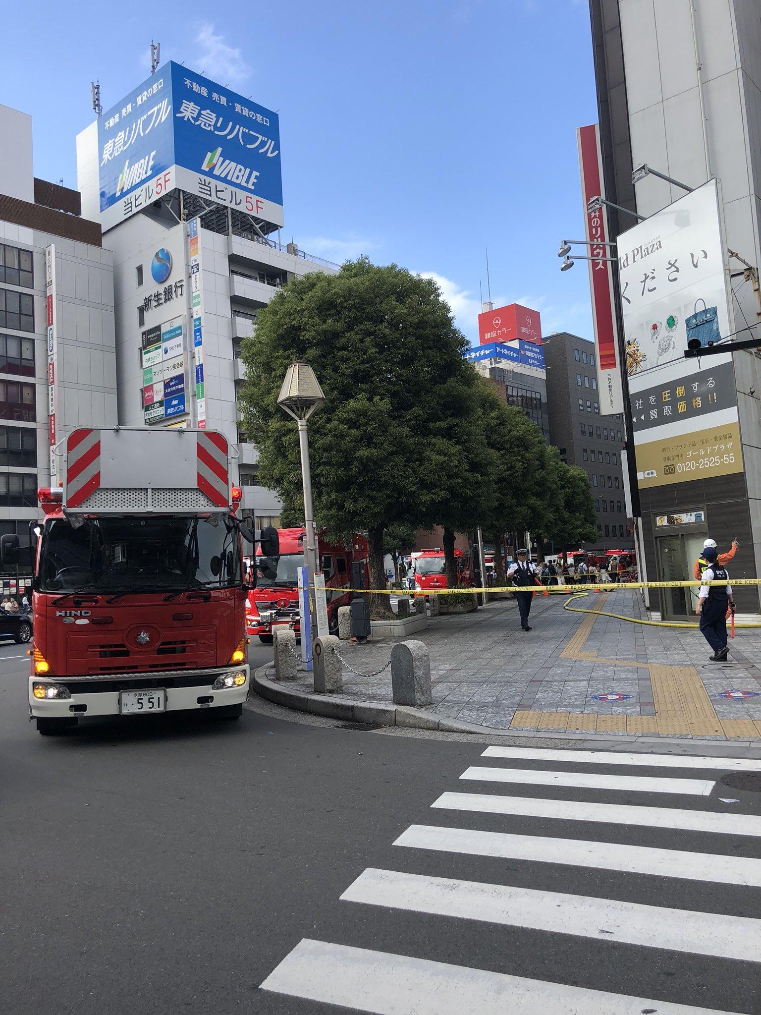 画像,吉祥寺駅前で火災!消防車の数が凄い! https://t.co/Gy5LpruvWh。