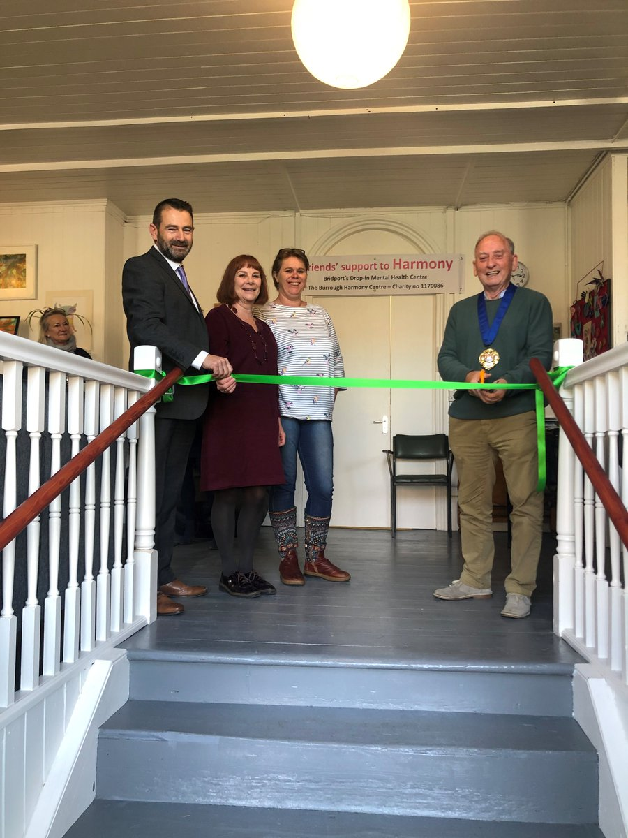 The Bridport Town Mayor officially opened the new Community Front Room (CFR) this morning over in Bridport as part of our new Access Mental Health service. Find out more about CFRs here:  https:// bit.ly/2M4YXhm    <br>http://pic.twitter.com/LK9YVo7tPX