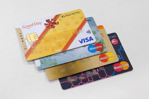 「韓国での #クレジットカード 利用方法」韓国はカード社会?✨韓国で利用できるカードやトラブル対策など、事前に知っておきたい韓国でのカードの使い方をご紹介します?#韓国旅行 #韓国ショッピング