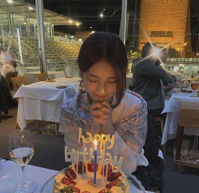 Happy birthday to the goddess bae suzy!