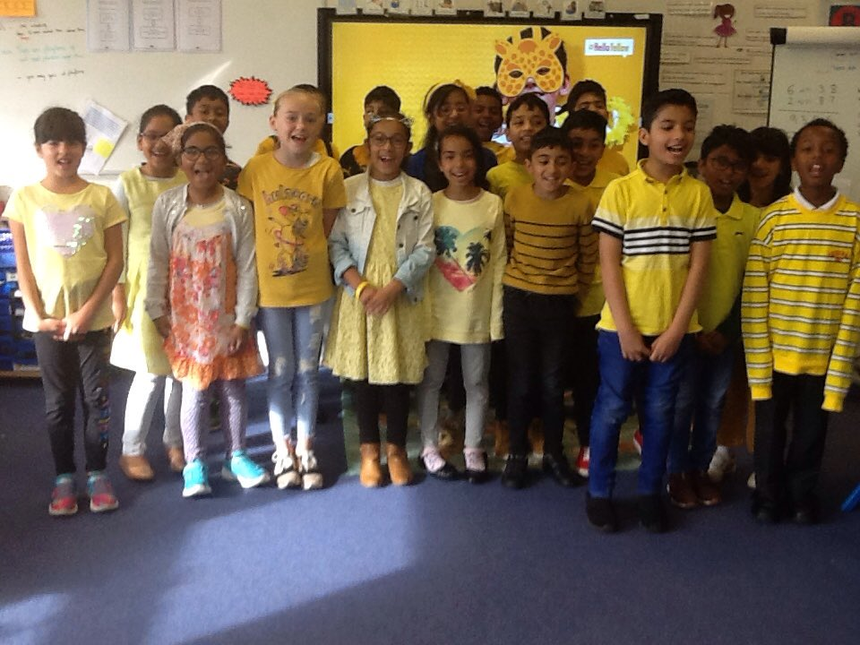 4S are wearing yellow for @YoungMindsUK
