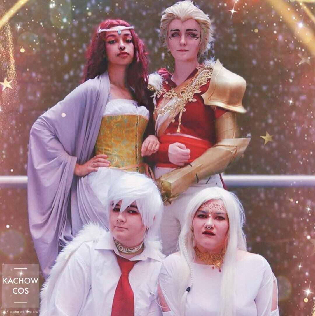 Cute family until u find out that the husband is actually the devil or smth Lucio: Satinceres on IG Mercedes & Melchior: bluebell_maid_cosplay & dreamlincos on IG #countlucio #countessnadia #mercedesandmelchior #countluciocosplay #nadiasatrinava #TheArcanaGame @thearcanagamepic.twitter.com/KKDQhxhOJL