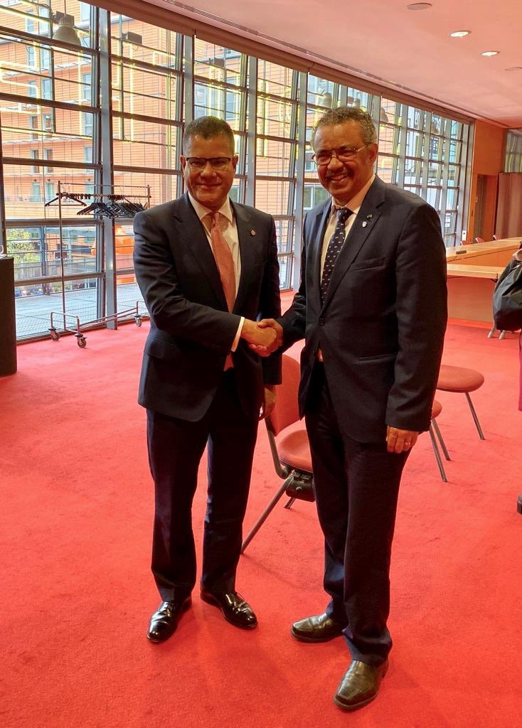 Thank you @AlokSharma_RDG, Secretary of State 🇬🇧, for supporting the #Ebola response in #DRC, and for your commitment to strengthen the health system beyond Ebola. @WHO also welcomes #UKs £1.4 billion pledge to the @GlobalFund - a 16% increase to #StepUpTheFight.
