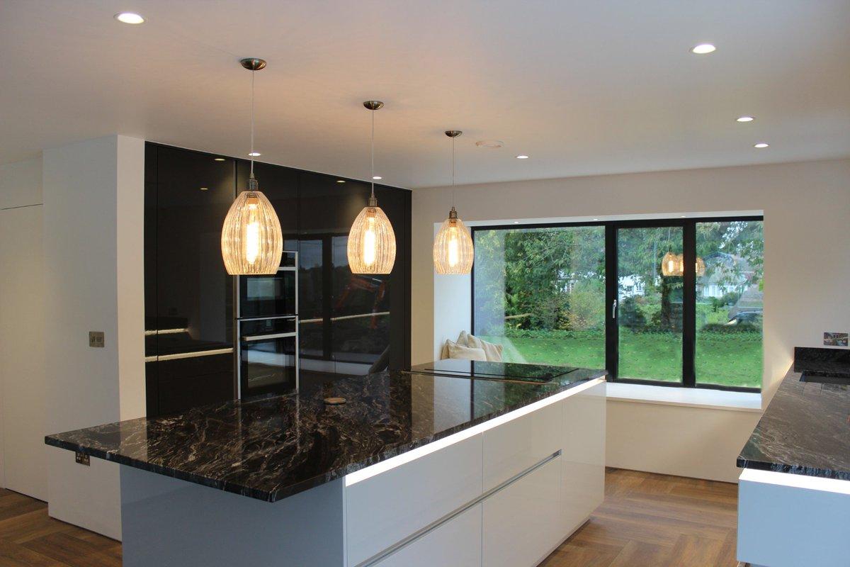 Another beautiful kitchen installed by Team Dekor. Stunning Leicht units with hidden pantry, quooker hot tap and gorgeous worktops @LeichtKitchens @SteveBristow_SM @quookeruk #hiddenpantry #kitchen