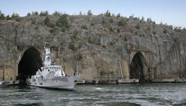 散々言われていることではあるけどスウェーデン海軍のムスコー海軍基地のこの秘密基地感、やっぱり大好き