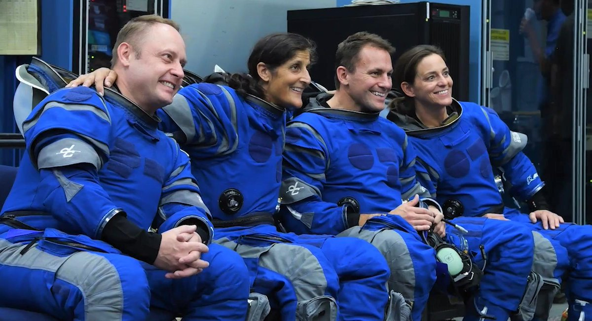The crew in Boeing blue! These @NASA_Astronauts are all smiles as they prepare for their #Starliner missions. Working alongside expert trainers @NASA_Johnson, they have mastered the art of safely moving in and out of the spacecraft in their flight suits.