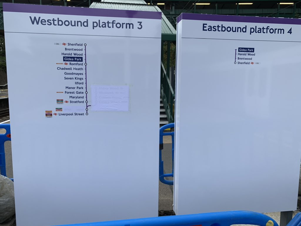 EGhee37XoAE1ytx - Crossrail's inconsistent signage