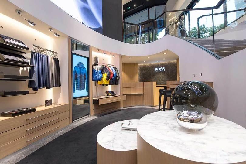 Hugo Boss opens newly renovated flagship store at Champs-Elysées in Paris – largest flagship worldwide   https:// cpp-luxury.com/hugo-boss-open s-newly-renovated-flagship-store-at-champs-elysees-in-paris-largest-flagship-worldwide/  …    #HugoBoss #Boss #HugoBossAG #luxury #Luxuryfashion #fashion #Paris #flagship #renovation #ChampsElysees @HUGOBOSS<br>http://pic.twitter.com/ZTdjmZ6BKk