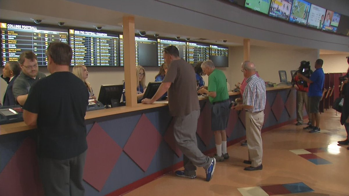 1st month of Indiana sports betting draws $34.5M in wagers: bit.ly/2B24Zcw