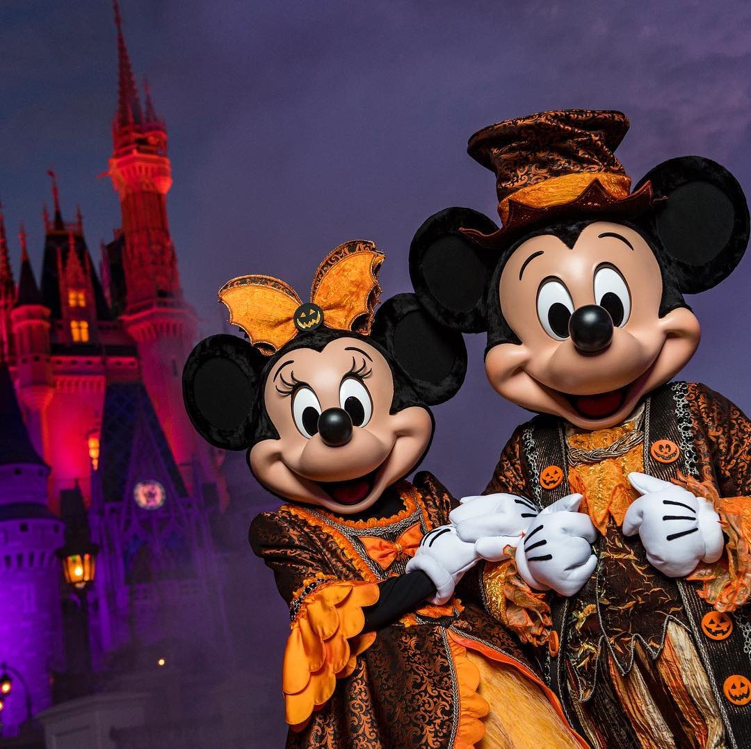Happy #HalloweenTime!  Lots of delight and a little fright await at @DisneyParks this October! <br>http://pic.twitter.com/mAHfH7u3Bz