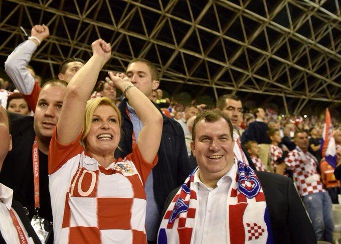 Pobjedu na Poljudu je uz KGK slavila cijela Hrvatska, od Bijelog Manastira do Cavtata :) EGi8Vs_X0AA3n2C?format=jpg&name=small
