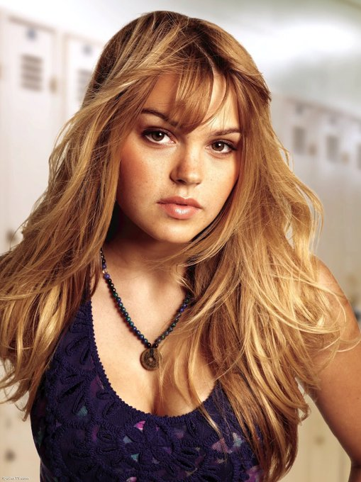 Happy Birthday Aimee Teegarden!