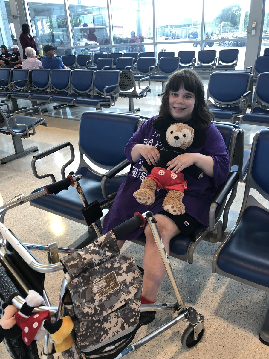 me and Duffy wait at the train station for a train to go home back to Virginia we are sad to be leaving Mickey and Minnie and other Disney friends. But we had fun. We be going back to Disney in February 🧸❤️🧸 @WaltDisneyWorld #duffythedisneybear #selfie #disneygirl #goinghome