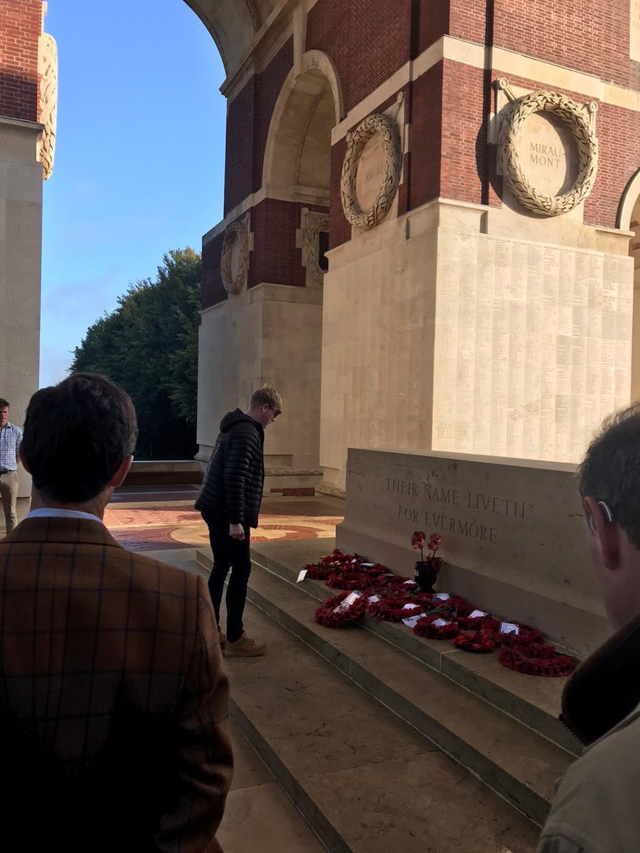 The last day of the battlefield study in France has concluded with remembering the fallen at the Thiepval memorial.   #lestweforget #wewillrememberthem  @Army_Wales @7thRats<br>http://pic.twitter.com/Ix6gz7le6z