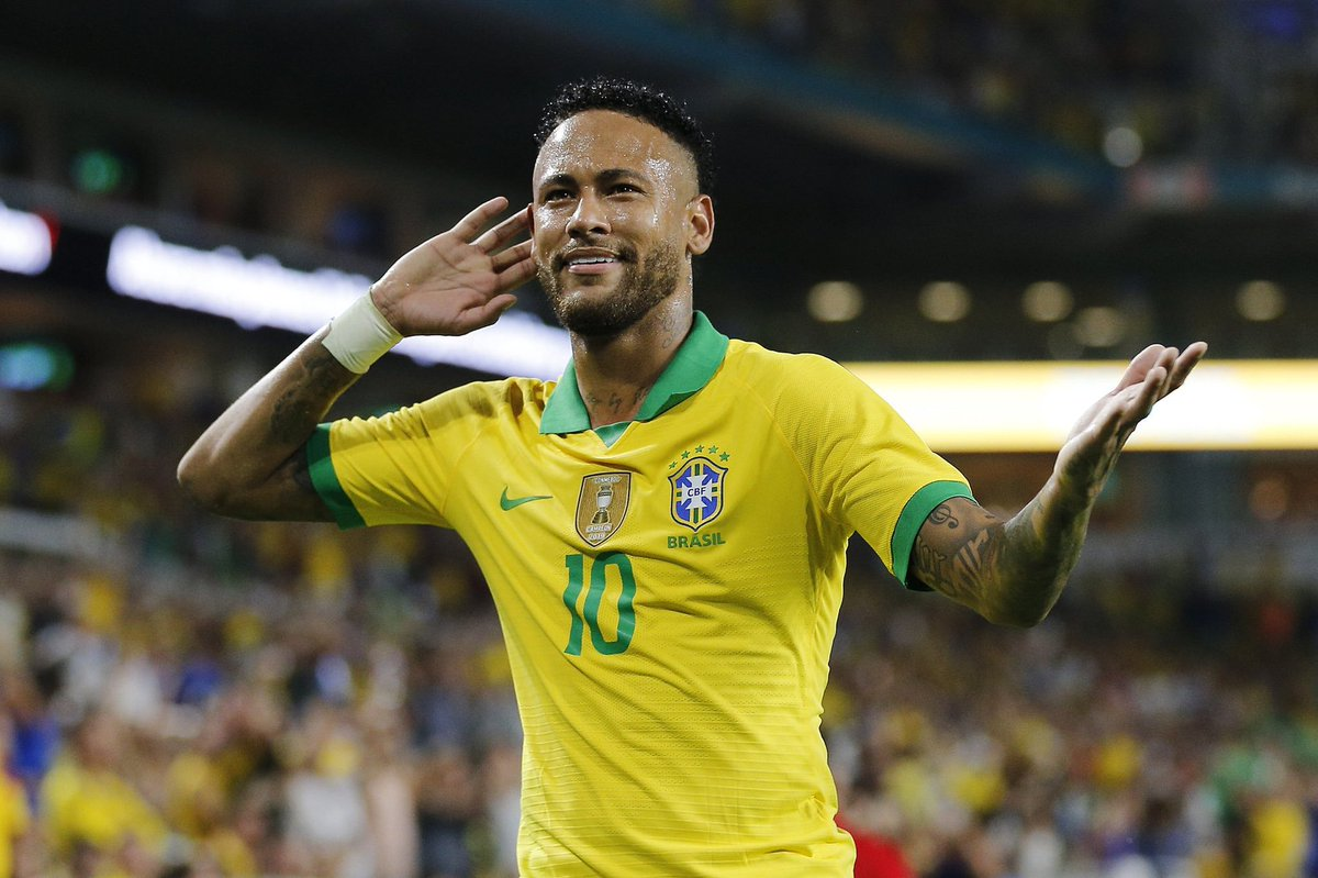 🇧🇷#Neymar for Brazil: 👕 100 Caps ⚽ 61 Goals 🎯 41 Assists 🥇 2016 Olympic Gold Medalist 🏆 2013 Confederations Cup Winner ✅ Quickest Brazilian in history to reach 100 caps. 📈 3rd highest goalscorer for Brazil. 🔥 Still only 27 years old.