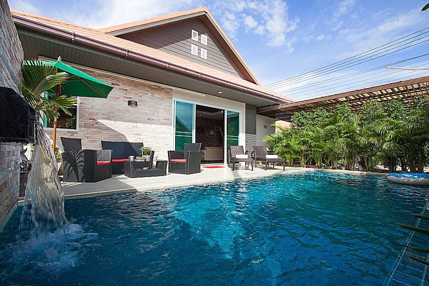 Peruse at your leisure, through our portfolio of over 200 Villas with a Private Swimming Pool for your Thailand Holiday and reasonable prices. - https://t.co/mbkmm2LEf8 https://t.co/nHZTNKQj4a