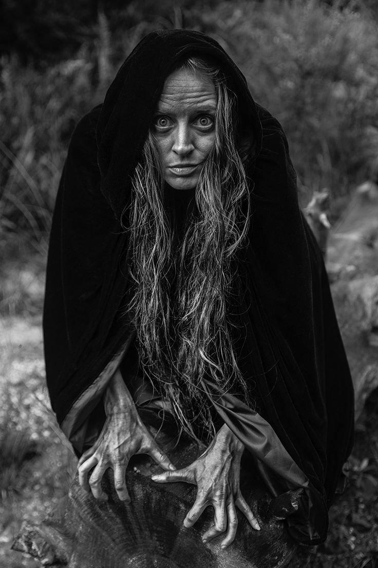 Женщина колдунья картинки