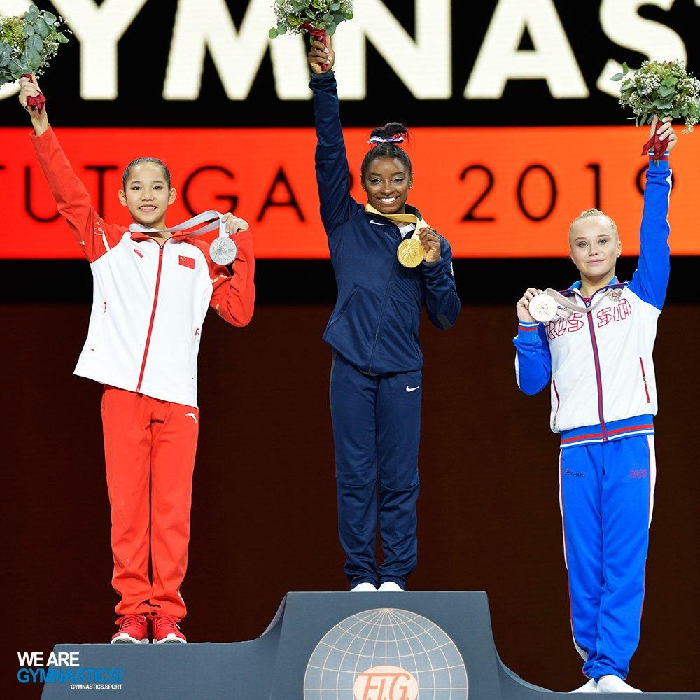 @Simone_Biles 🇺🇸 wins record fifth 🥇🥇🥇🥇🥇world All-around title at #Stuttgart2019 🤸 👉https://bit.ly/312DMAU