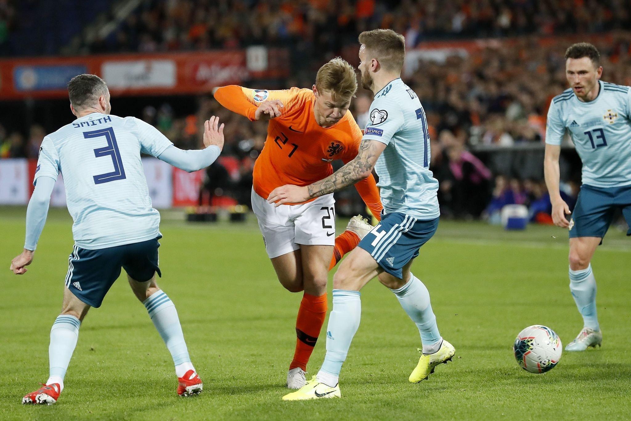 Нидерланды - Северная Ирландия 3:1. Волевая победа оранье при ужасной игре - изображение 1