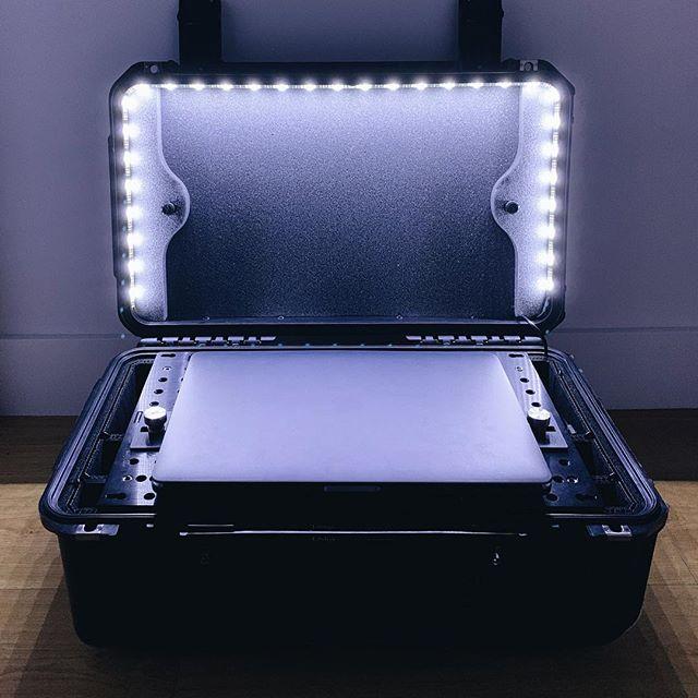 Loving this luminous case mod. 📷: Laimonas_lsdigi