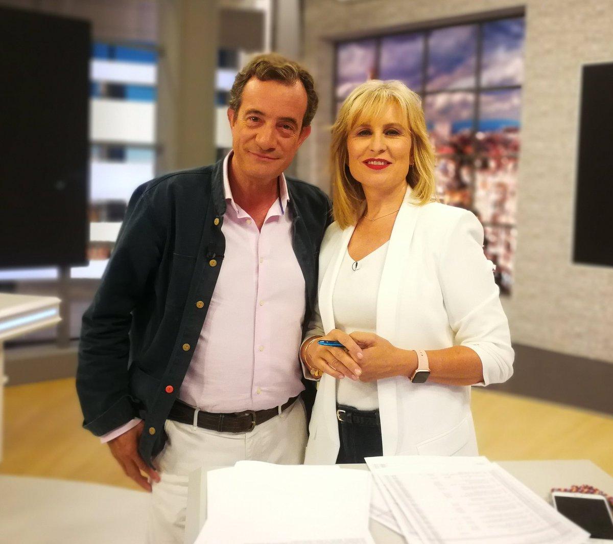@telemadrid @120minutosTM  Con @maria_rey , siempre elegante... 😉 https://t.co/AugsCfgQGu