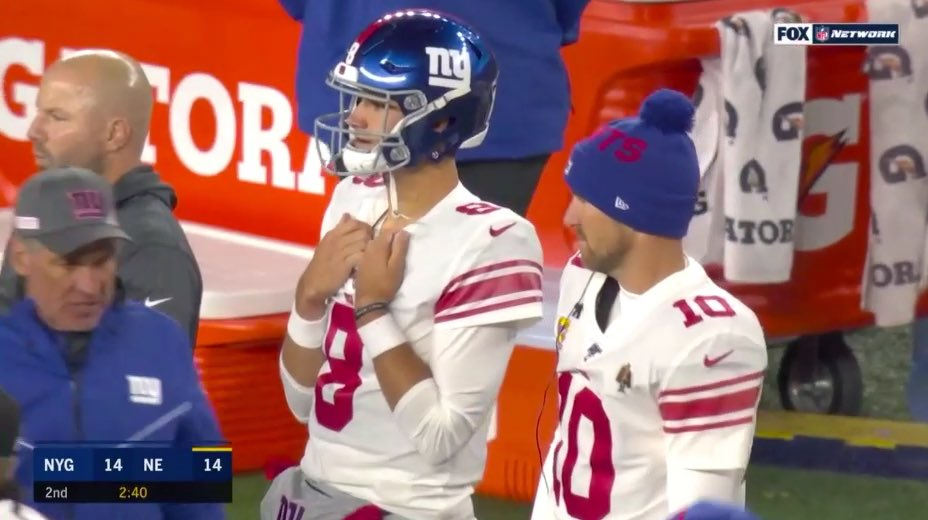 Daniel Jones: So we just do well against the Patriots?  Eli Manning: Yep <br>http://pic.twitter.com/3sYnG6BCys