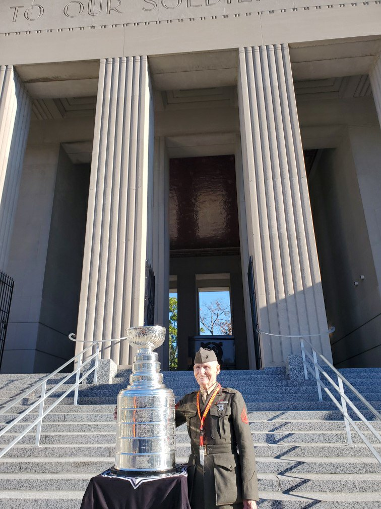 Saluting them all. A #KoreanWar Veteran stands side by side with the #StanleyCup in front of the soldiers memorial @SoldiersSTL in St Louis. #NHL @StLouisBlues @HockeyHallFame