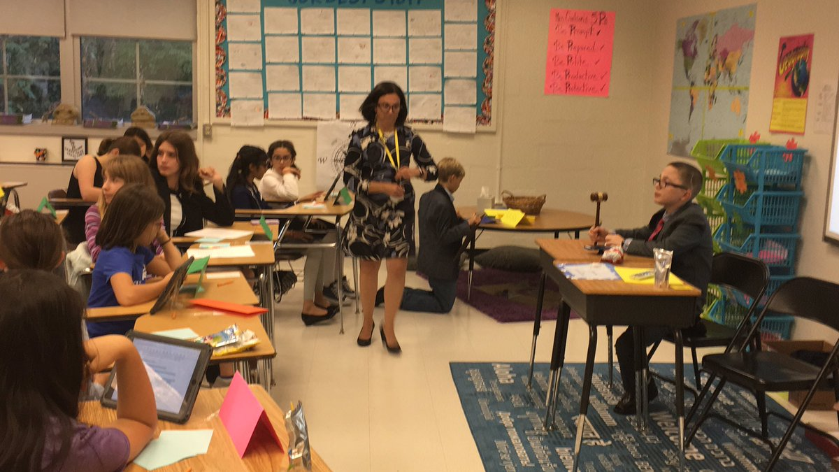 Mini-MUN <a target='_blank' href='http://twitter.com/WMS_WolfPack'>@WMS_WolfPack</a> AND <a target='_blank' href='http://twitter.com/DHMiddleAPS'>@DHMiddleAPS</a> students practicing their debate skills!  Great job!  Debating clean water and the impact of plastic. <a target='_blank' href='https://t.co/ulTosWIiDe'>https://t.co/ulTosWIiDe</a>