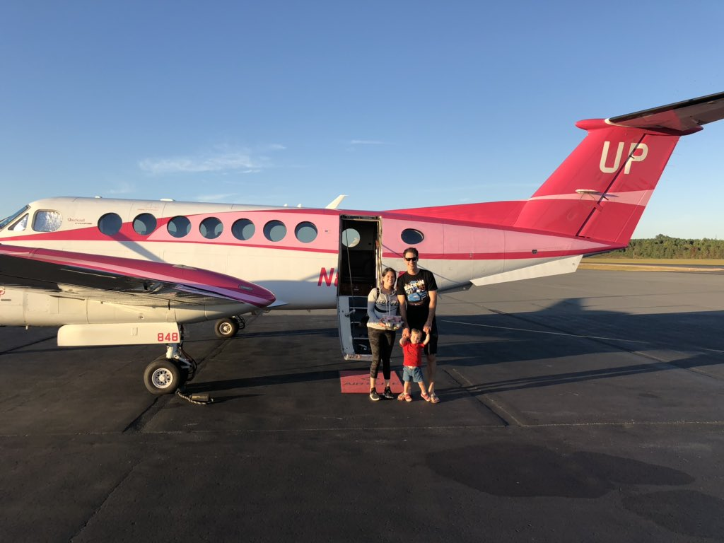 Rocking the @WheelsUp Pink Plane to @TalladegaSuperS. Proud to work with a company that supports Breast Cancer Awareness. #WheelsUpCares #UpTheWayYouFly #TeamJL