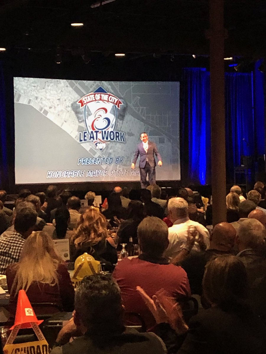 @CtyLakeElsinore Mayor Steve Manos delivering an exciting State of the City. Great progress happens in this city when you Dream Extreme. @GoRivcoEDA #rivconow #dreamextreme <br>http://pic.twitter.com/i0szynmXp9 – à Pins 'n Pockets Entertainment Center