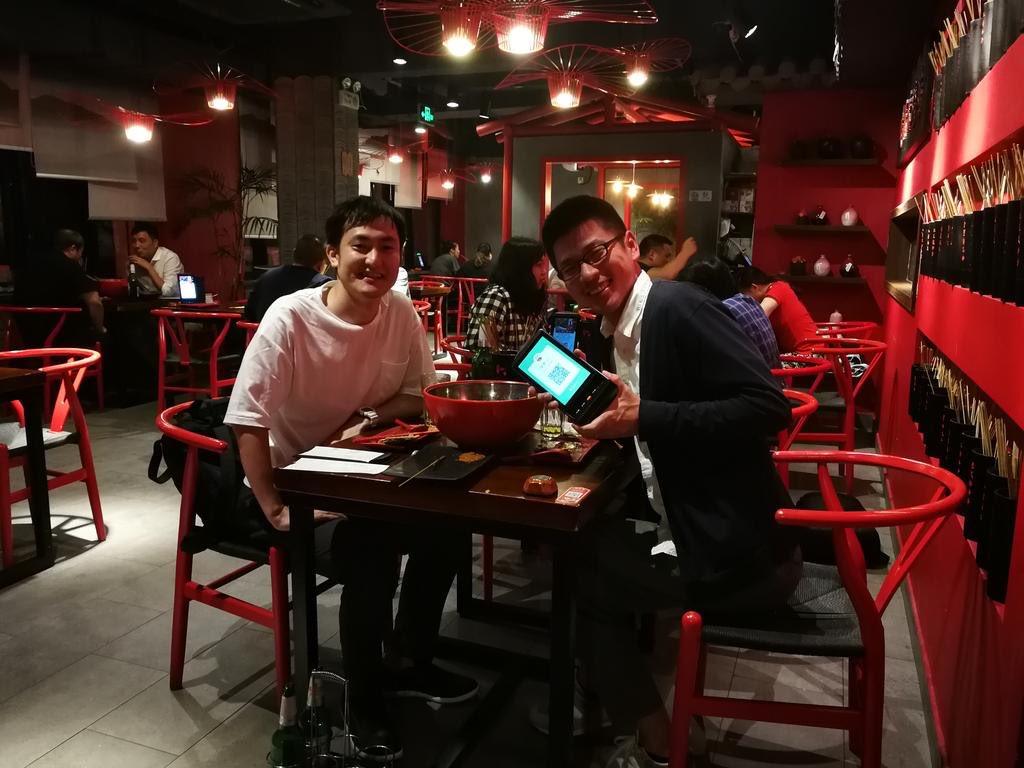 上海の起業家ばやし@muraba1 さんに色々教えてもらった・中国人は会社への帰属意識がない・副業当たり前、起業していく・個人を信頼して仕事をくれる・日本進出を考えてる中国企業は多い・日系企業の中国進出の話は少ない・むしろ技術提供してくれる先に需要中国は入り込まないと分からない…