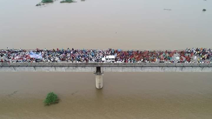Chikalda village in Madhya Pradesh, is devoid of all its problems now. just like several other villages, are under water now . Unfortunately, the people have not gotten justice, yet. Please help bring more coverage. #FridaysForFuture #ClimateStrike #GretaThunberg @GretaThunberg