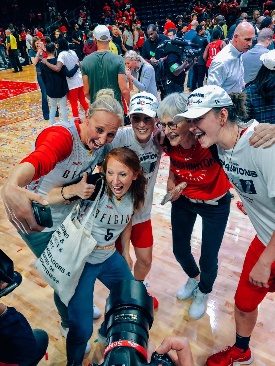 Amazing to share this special moment with @EmmaMeesseman and @MestdaghKim! WNBA CHAMPS. Emma the so well deserved MVP. Your actions speak louder than any words. Thank you @lindemerckpoel for the last 3 days! @WashMystics @WNBA @TheBelgianCats #waarisdafeestje