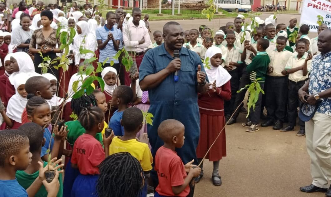 Deputy Speaker @JacobOulanyah says policies, laws and budgets are sufficient to protect the environment, but the missing link is action. He asks all families to treat preservation of the environment as an existential issue