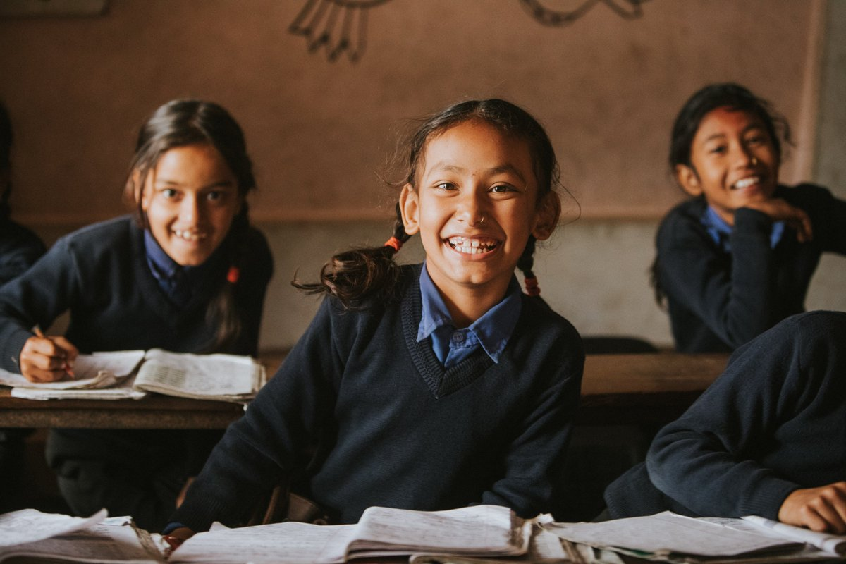 Its International #DayOfTheGirl ! Since the adoption of the Beijing Declaration, more girls are attending school than ever before! 👩🏫👩🎓👩🔬 But, only 52% of aid in the education sector integrates gender equality. Why isnt all aid in this sector addressing #genderequality? #SDG5