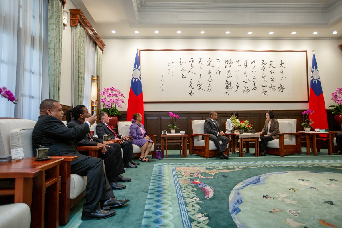 test Twitter Media - The arrival of Deputy Prime Minister Faber & his delegation brought back fond memories of the warm reception I received in Belize last year. As we celebrate the 30th anniversary of #Taiwan-#Belize diplomatic ties, we're also looking at ways to expand cooperation in many areas. https://t.co/LXqo780wwo