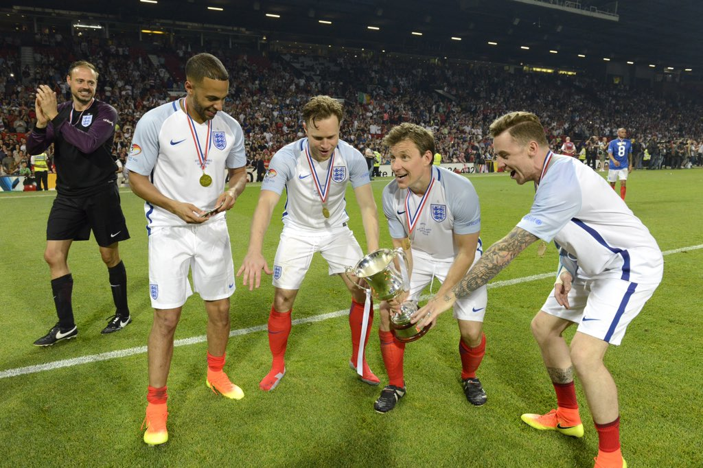 Good luck to @England who are in @UEFAEURO action tonight 🏴🦁 Here's our very own England stars celebrating their #SoccerAid 2016 win 🙌🏆 #FlashbackFriday #FridayFeeling
