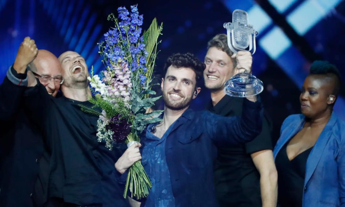 Dutch audience awarded #ESC win of @dunclaurence as the best TV moment of the year! #televizierringgala #Eurovision2019 #daretodream  Read more about it here: https://escxtra.com/2019/10/11/duncan-laurences-eurovision-win-awarded-as-best-tv-moment-of-2019/…pic.twitter.com/hpTS4GjDav