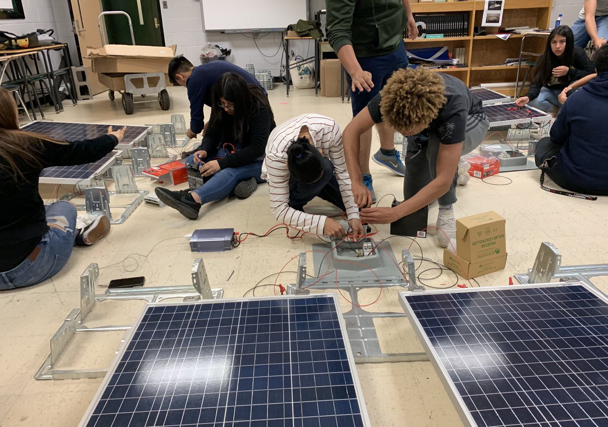 """A great article from our friends at Education Dive: K12 with quotes from our own Karen Alsen. Read """"Studying solar: CTE programs expose students to fast-growing renewable energy careers"""" #CTE #solarCTE #greeneducation #solarone #solaronenyc @lrj417    https://www. educationdive.com/news/studying- solar-cte-programs-expose-students-to-fast-growing-renewable-ener/564034/  … <br>http://pic.twitter.com/qc8C7mzAyG"""
