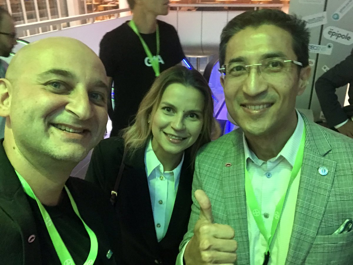 And all the way from #NC the superstar @RasuShrestha made an appearance at #G4AReloaded - thanks 🙏 for your continued inspiration ! Bonus : our #G4AFamily from #Kiev Tetiana!! #selfiestorm https://t.co/IAvtaIlkTI