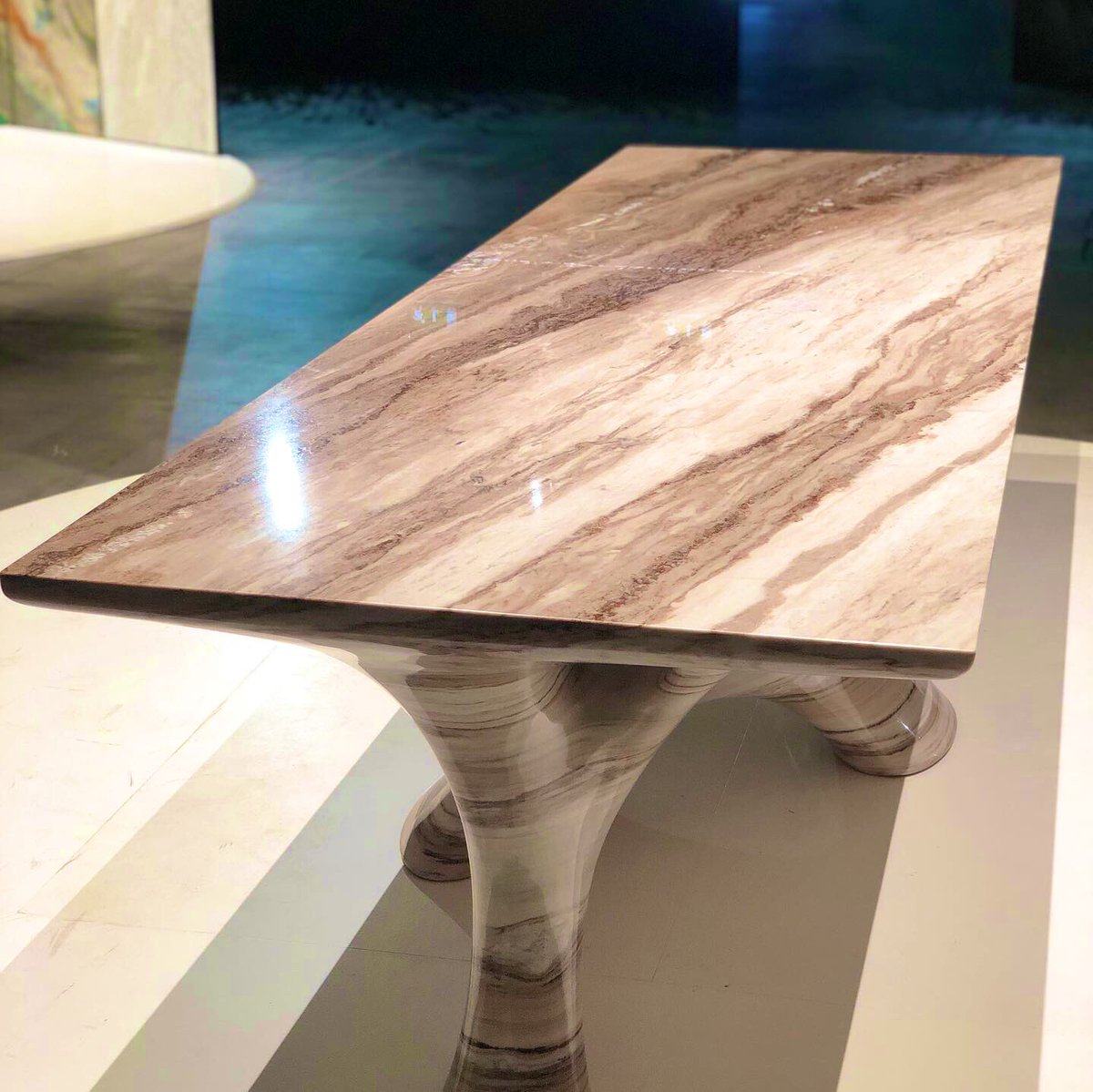 The beautiful Coral Table Designed by Dustin White  Produce by Palissandro Marble  #marmomac2019 #marble #naturalstone #art #marmo #dinningtable #stonework #marbledesign #interordesigner #luxurymarble  #marbletable #luxuryproduct #digitalarchitecture #theitalianstonetheatre https://t.co/ggxNxCZZoA