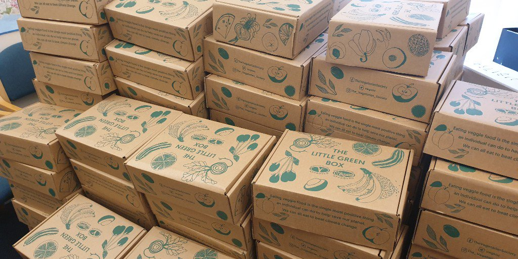 We will be giving out fabulous veggie & vegan FREEBIES on Tuesday. Visit us next to the POD from 11:30 am to receive the #LittleGreenBox. @vegsoc have sent us 500 boxes of goodies for you to take away and see how great a veggie diet can be. 😍 #EatToBeatClimateChange #PlymouthUni