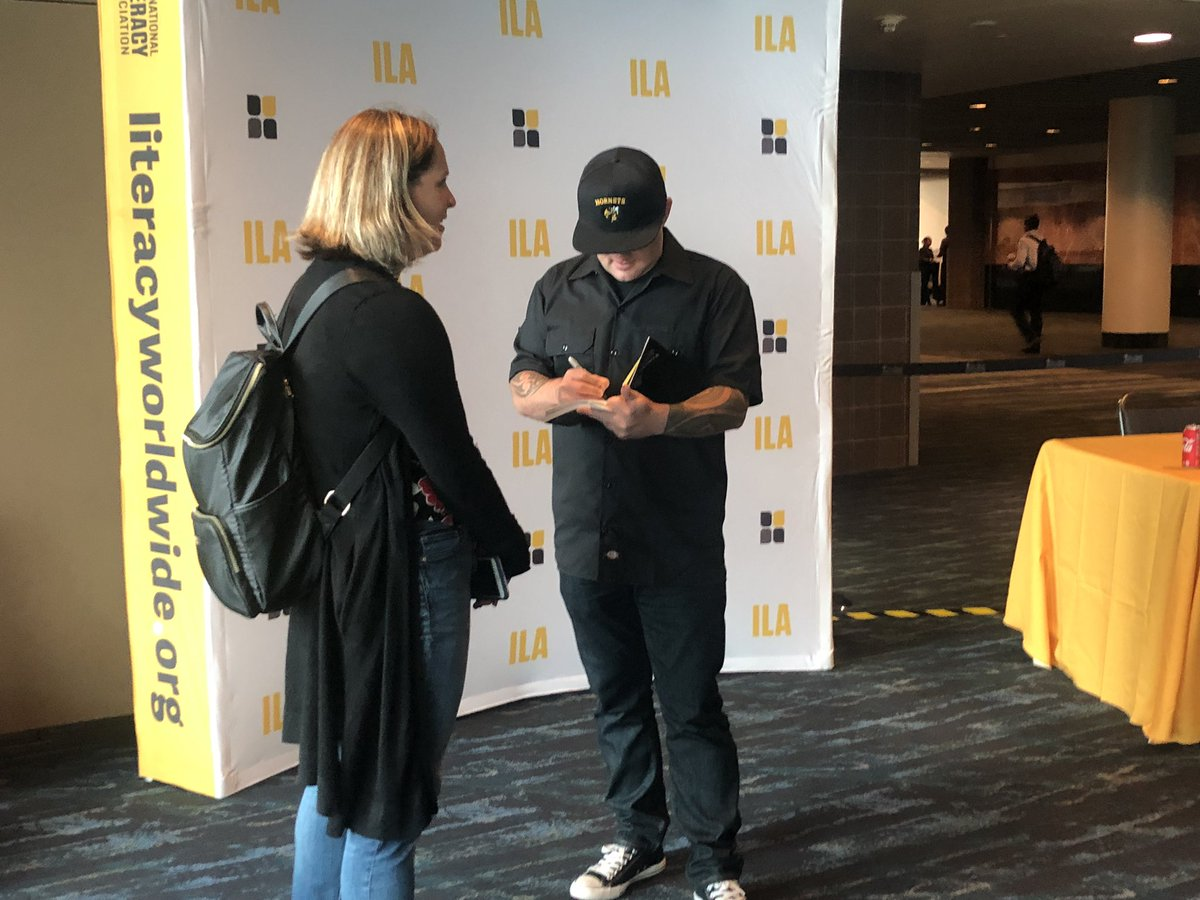 .@brewerhm is signing copies his book in the second floor lobby, across from Theater B! #ILA2019